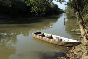 a-canoa-e-o-rio